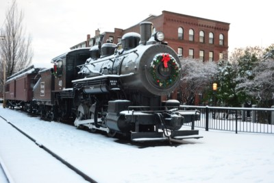 New England Patriots - Lowell-ma-christmas-steam-engine