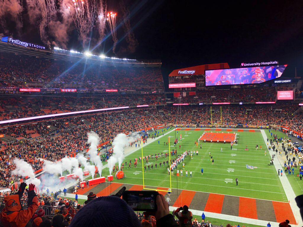 Browns v Steelers
